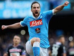 Wieder einmal sorgte er für die Entscheidung - und diesmal auch für einen Vereinsrekord: Gonzalo Higuain (SSC Neapel).