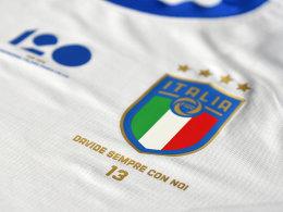 Große Geste: Italien spielt mit Astori-Flock