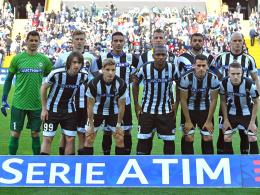 Udinese Calcio läuft mit elf unterschiedlichen Trikots auf