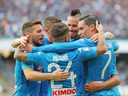 Ecke direkt verwandelt: Napoli bleibt Erster