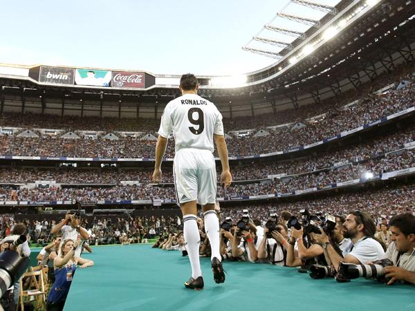 Volles Stadion, kein Spiel: 80 000 Fans feierten Cristiano Ronaldo in Madrid.