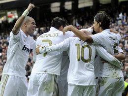 Sieben Mal die Jubeltraube: Real zeigte keine Gnade mit Osasuna.