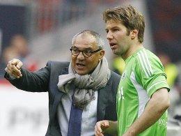 Hatte bei seiner letzten Profistation kein Glück: Thomas Hitzlsperger, hier mit dem Wolfsburger Trainer Felix Magath.