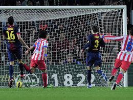 Das war die Welt noch in Ordnung für Atletico: Radamel Falcao nach dem 1:0 in Hälfte eins.