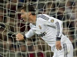 Reals Cristiano Ronaldo machte gegen Sevilla beim 4:1 drei blitzsaubere Tore.