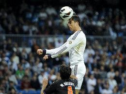 Hoch, höher, Ronaldo: Der Superstar von Real Madrid traf gegen Valladolid gleich doppelt per Kopf.
