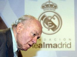 Ringt mit dem Leben: Real-Madrid-Legende Alfredo di Stefano.