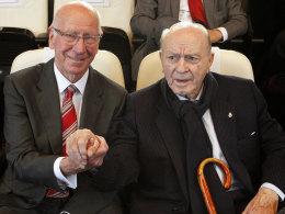 Sir Bobby Charlton und Alfredo Di Stefano