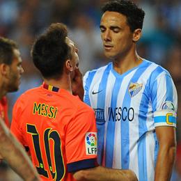 Aufreger: Weligton griff Messi ins Gesicht - sah dafür aber nur Gelb.