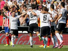 Der FC Valencia überrollte Atletico binnen sieben Minuten und feierte dementsprechend ausgelassen.