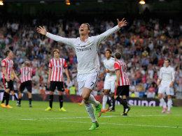 Welt, lass dich umarmen: Real-Angreifer Cristiano Ronaldo feiert eines seiner drei Tore gegen Bilbao.