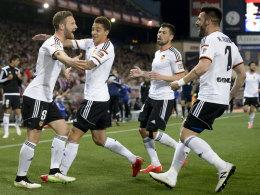 Per Kopf zur Stelle: Valencias Shkodran Mustafi rettete seinem Team bei Atletico einen wichtigen Zähler.