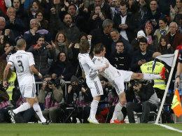 Jubel mit Wut im Bauch: Madrids Gareth Bale bewältigte seinen aufgestauten Frust mit Hilfe der Eckfahne.