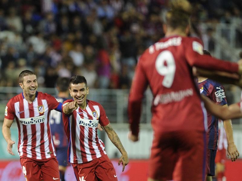 Matchwinner: Angel Correa und Fernando Torres (re., im Vordergrund).
