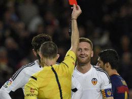 Suarez toppt Messi, Mustafi fliegt - Sevilla auf Kurs