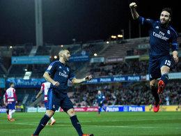 Glückliche Königliche: Karim Benzema und Daniel Carvajal (re.).