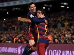 Bar�a zaubert - Elfmetertrick von Messi und Suarez