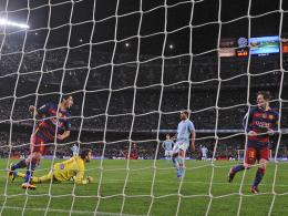 Luis Suarez trifft nach Lionel Messis Elfmetervorlage