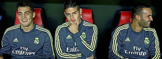 James Rodriguez (Mi.) fällt in Malaga aus - Mateo Kovacic und Jesé (re.) liebäugeln mit der Startelf.