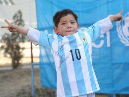 Murtasa mit Messi-Trikot