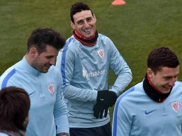 Del Bosque holt Aduriz in