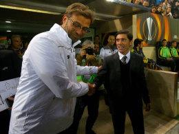 Es lief zwischen Jürgen Klopp und ihm selten so freundlich ab: Der in Villarreal entlassene Spanier Marcelino (r.).