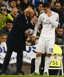 Messi gegen Musconda (re.)