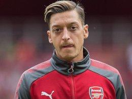 Wechselt Özil heute noch zum FC Barcelona?