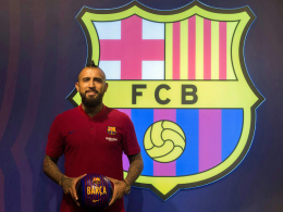 Barça stellt Vidal vor - und Vidal sich selbst