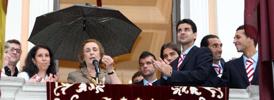 Die erste Präsidentin in La Liga bei einer Ansprache: Teresa Rivero.