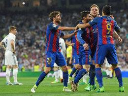 3:2! Barça dreht spät auf und löst Real an der Spitze ab