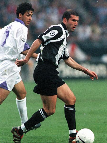 Legende in Madrid, Liebling auf Schalke: Raul wird 40