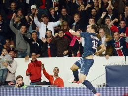 Der neue Held an der Seine: Zlatan Ibrahimovic jubelte auch am Freitagabend.