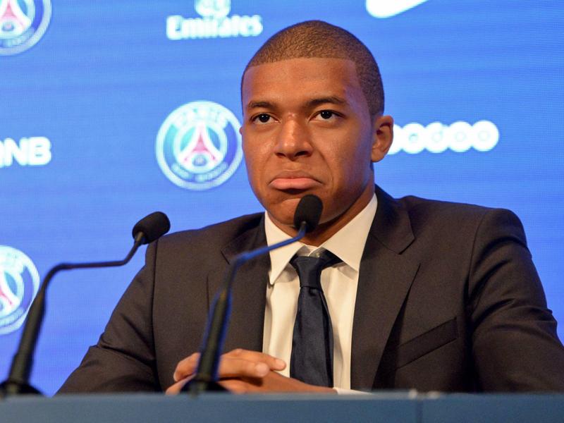 Mbappe trifft bei Debüt für PSG