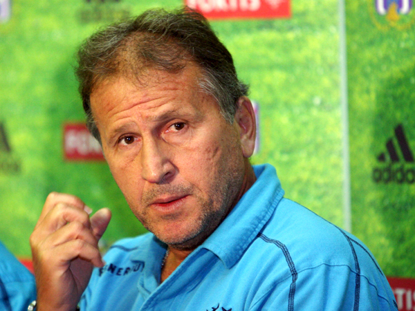 Neue Aufgabe oder Abenteuer? Der Brasilianer Zico wird Trainer in Taschkent.