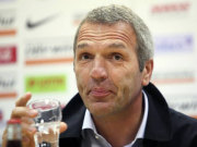 Fußball, Ernst Middendorp übernimmt das Traineramt bei Anorthosis Famagusta