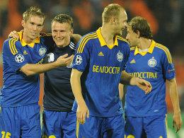 Feiern die weißrussische Meisterschaft: Die Spieler von BATE Baryssau.