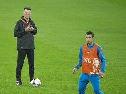 Bondscoach ohne Knipser: Louis van Gaal muss gegen Deutschland auf Robin van Persie verzichten.