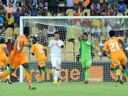 Kam und traf: Ya Konan (3.v.li.) markierte den Schlusspunkt zum 3:0 gegen Tunesien.