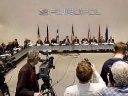Pressekonferenz mit brisantem Inhalt: Europol-Direktor Rob Wainwright verkündete einen umfassenden Wettbetrug.