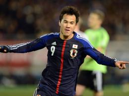 Treffer Nummer 30 und 31: Stuttgarts Shinji Okazaki schoss Japan gegen Lettland zum Sieg.