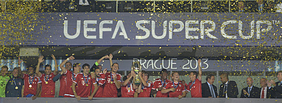 Prag 2013: Der FC Bayern holt erstmals den UEFA Supercup.