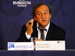 Will die Gelben Karten abschaffen: UEFA-Boss Michel Platini.