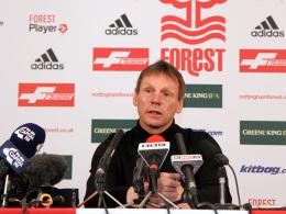 Im Mittelpunkt: Der neue Coach von Nottingham Forest, Stuart Pearce, bei seiner offiziellen Vorstellung.