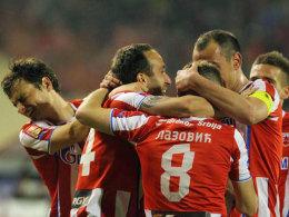 Jubeltraube: Die Spieler von Roter Stern Belgrad feierten am Sonntag den 26. Meistertitel.