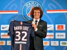 Brasilianischer Strahlemann: David Luiz bei seiner Präsentation in Paris.