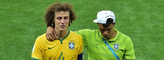 Emotionale Angelegenheit: David Luiz (li.) und Kumpel Thiago Silva nach dem WM-Hablfinale.