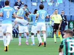 Tore, Karten und Elfmeter gab es im Olimpico zu bestaunen. Am Ende jubelte Lazio gegen Sassuolo.
