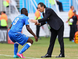 Mario Balotelli, Cesare Prandelli (re.)