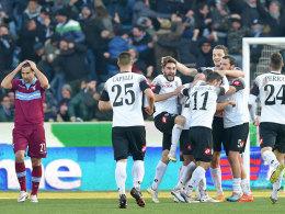 Überraschungserfolg: Die Spieler des AC Cesena bejubeln die Führung gegen Lazio Rom.